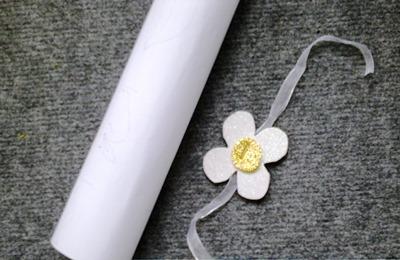 Okul-öncesi-dünyam-çiçekli-karne-süsü-etkinliği