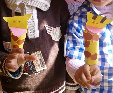 zürafa-parmak-kuklamız