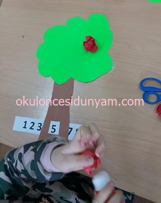 Okul Öncesi Ağaçtan Toplama Çıkarma  Etkinliği
